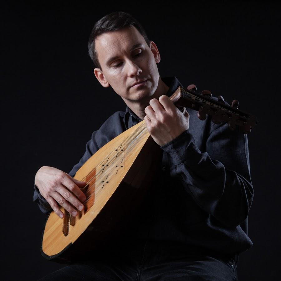 Katolikus Hozsanna énekek magyar szentekről Benkő András kobozművész előadásában
